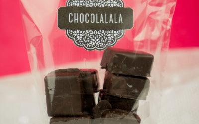 Pâte d'amande maison enrobée de chocolat